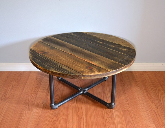 pallet round coffee table reclaimed pallet wood. Black Bedroom Furniture Sets. Home Design Ideas