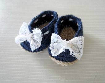 CROCHET Pattern - Little Lady Slippers with additional crochet bow pattern