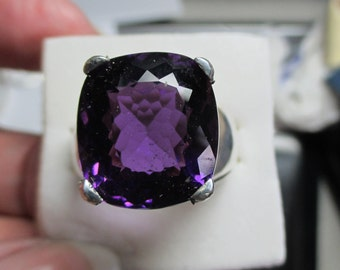 Mens 14ct large amethyst cushion cut handsome sterling solitaire ring
