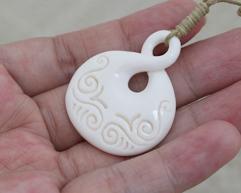 Maori Single Twist Tattoo: Simple Carving Maori Single Twist Pendant Bone By BaliCantik