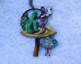 Wooden Alice in Wonderland Necklace//Tea Time//Tea Party//Drink Me//Eat Me//Disney//Cosplay//Costume//Whimsical