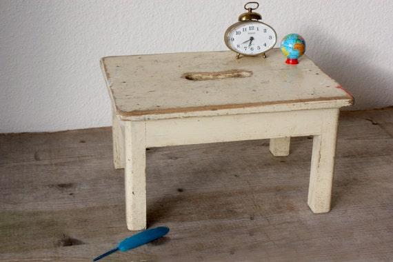 ancien tabouret vintage tabouret minable tabouret c t. Black Bedroom Furniture Sets. Home Design Ideas