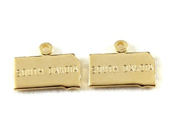 2x Gold Plated Engraved South Dakota State Charm - M114-SD
