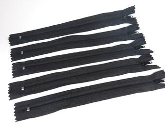 10pc zipper 20cm / 8inch black closed end (Z10)