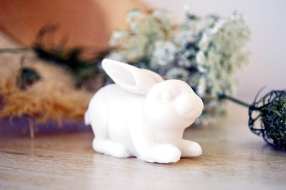 Collection White scented soaps to use or to decorate ...