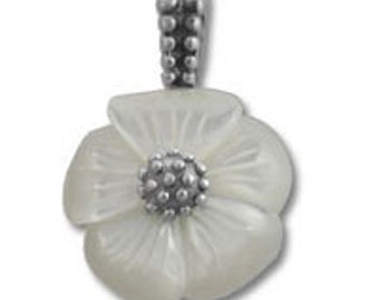 Mother of Pearl Flower Pendant SSPD009