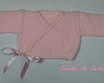 Patrón para la confeccion de chaqueta cruzada para recien nacido-