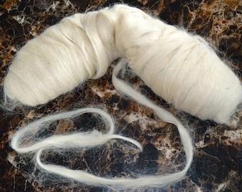 100% alpaca Top fiber (roving)