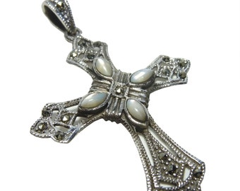 Silver Art Nouveau Mother of Pearl Cross Pendant BE8703