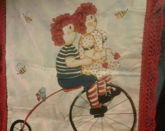 """Raggy Ann and Andy """"Best Friends"""" blanket."""