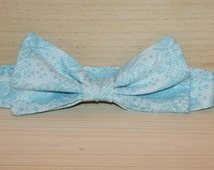 baby blue boys bowtie, super cute bow tie for Easter, ring bearer, wedding tie, photo prop for babies, baby blue, white