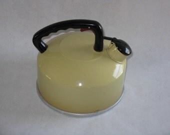 Vintage metal tea kettle whistling aluminum yellow harvest gold 1970's 2 1/2 quart