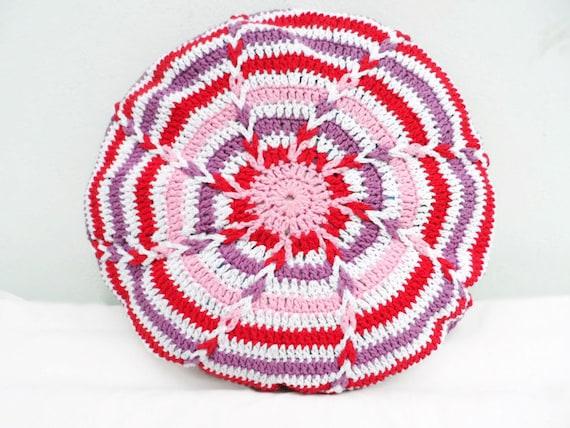 Crochet Pillow cover, cushion cover, pillowcase, round granny afghan motif, crocheted housewares, handmade cover, circle cushion cover