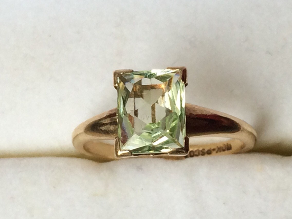 vintage peridot ring in 10k yellow gold unique engagement