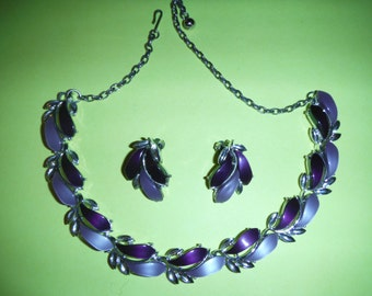 Gorgeous Vintage Therma-set Plastic Necklace & Earring Set