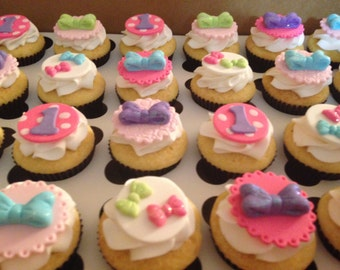 Minnie Bows Fondant Cupcake Toppers - 1 dozen (Shown in Mini Cupcakes)