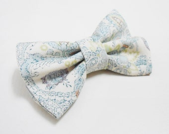 Bow tie brooch, pastel colours
