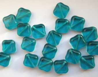 15 Glass Vintage Aqua  Beads
