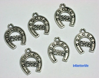 "Lot of 24pcs Antique Silver Tone ""Good Luck Horseshoe"" Metal Charms. #BC4099."