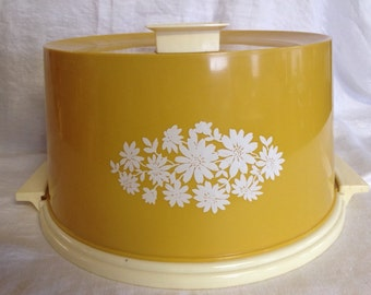 10% OFF SALE Vintage Large Yellow Daisy Cake Carrier/ Cake Box