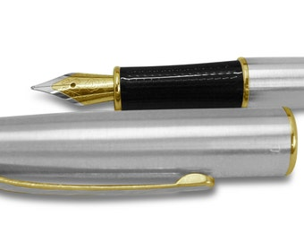 Custom engraved / personalised Fountain Pen in black velvet gift sleeve - S6