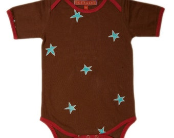 Star Onezie with contrasting trim. 100 percent cotton!