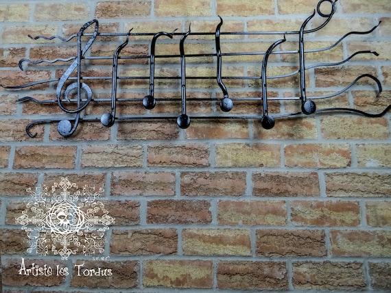 Porte manteau mural en fer forg en forme de gamme avec notes - Porte manteau mural fer forge ...