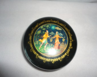 Vintage Black Round Trinket Box.*****