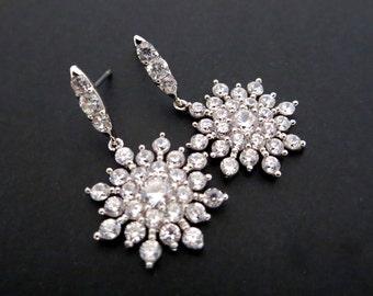 Snowflake Wedding earrings, Rhinestone Snowflake earrings, Winter Wedding earrings, Cubic zirconia earrings, Crystal earrings, Bridesmaid