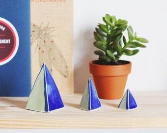 Pyramids in ceramic.