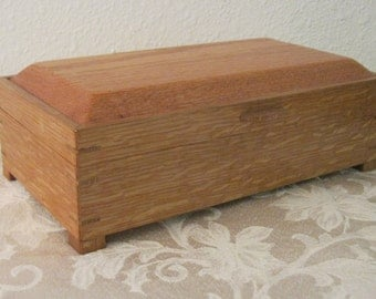 Oak wood keepsake box.