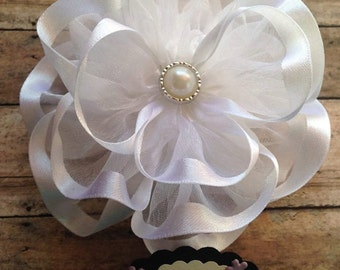 White Flower Baby Shower Grandma To Be Badge Mommy To Be Baby Shower Corsage It's a Girl Baby Shower Mom To Be Corsage