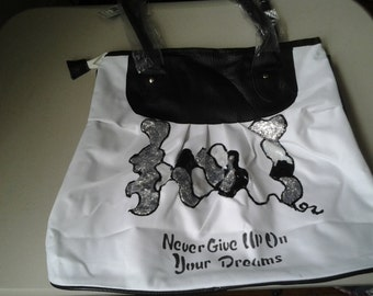 """Pocket Book  """"Never Give Up On Your Dream"""""""