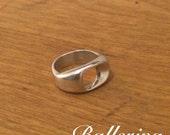 "Sterling Silver Ring - ""Ballerina"""