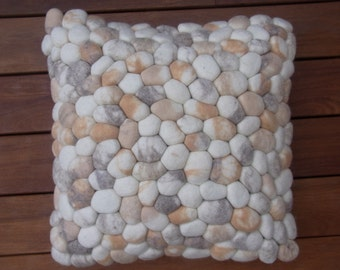 Cushion felt stones / pebbles wool & bamboo