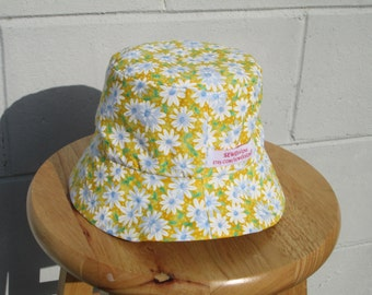 Toddler Bucket Hat Daisy's and blue
