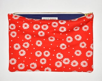 On sale! VINTAGE ZIP PURSE #55 the big one / flowers fabric