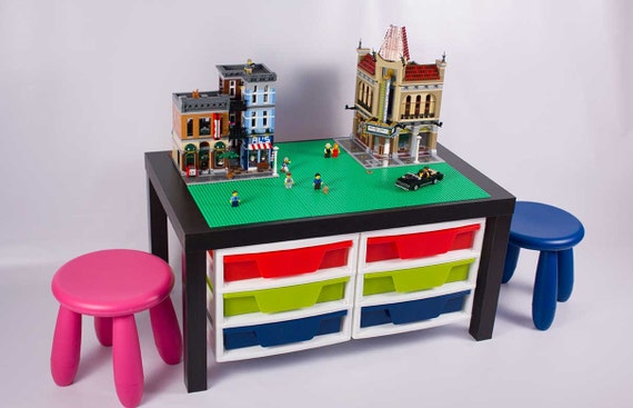grande table de lego avec 2 meubles de rangement par bricksbyjaxs. Black Bedroom Furniture Sets. Home Design Ideas