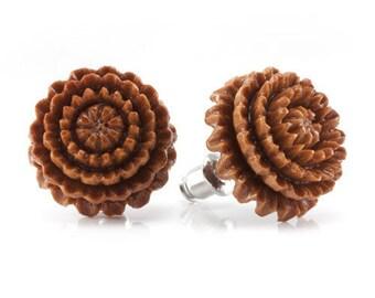 Chrysanthemum Stud Earrings