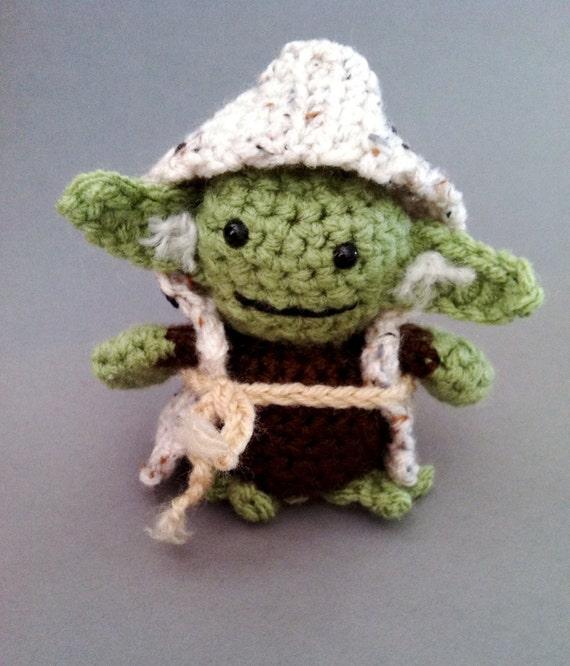 Jedi Master Yoda Amigurumi Pattern : Star Wars inspired Yoda amigurumi doll