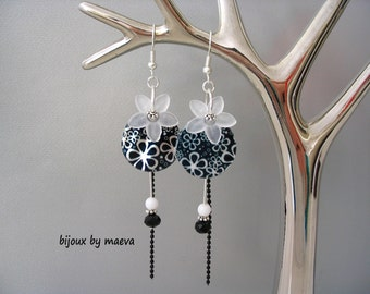black costume jewelry pearl earrings and pearl black and white round