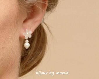 Jewelry Wedding Earrings Wedding flowers ears and ivory pearls