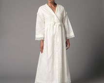 OUT of PRINT Butterick Pattern M6152 Misses' Robe and Nightgown:
