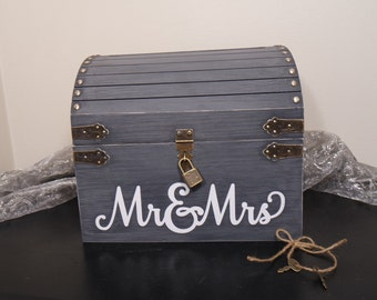 Lockable Wedding Card Chest w/ Card Slot, Keepsake Chest, Card Box, Shabby Chic Wedding Card Box, Rustic Wooden Chest Wedding Card Box