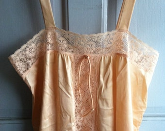 Vintage Peach Vanity Fair Lingerie Top With Lace