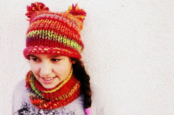 Chunky Knitted Kids' Cowl and Beanie Hat Set. Red Multicolor.