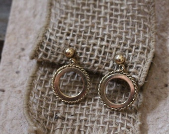 Vintage Gold Tone Circle Clip-On Earrings with Rope Trim Design