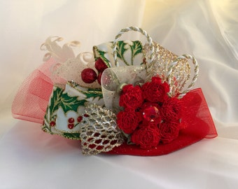 Christmas Holly and Berries - Red/Ivory/Green/Gold - Mini Top Hat Fascinator