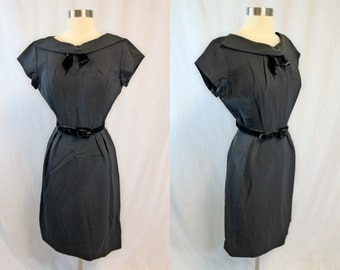 Vintage 1950's Curvy Little Black Dress with Velveteen Bow