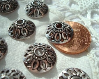 26 Ornate Silver Caps. 14x5mm. Polished Antique Silver Finish. Cut-Out HubCap Design. Beautiful Open Design